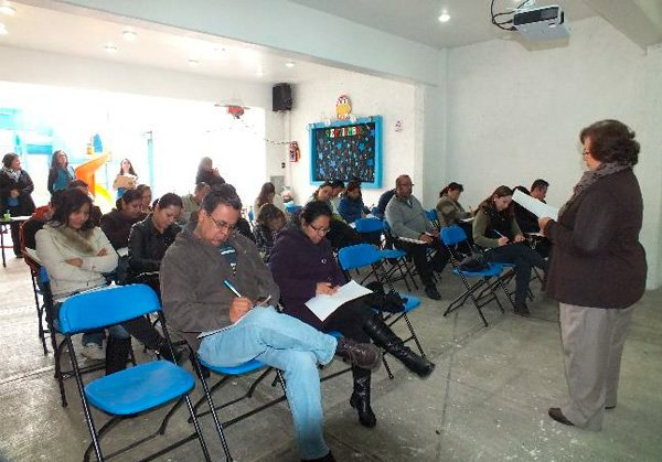 taller-padres-sobreprotectores-03